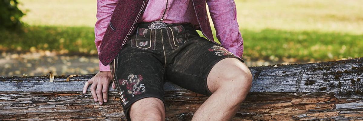 Kniebundlederhosen