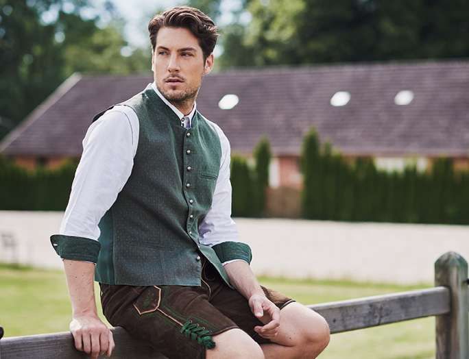 Discover our Trachten waistcoats
